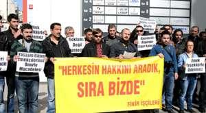 Mersin'de gazetecilerden eylem!