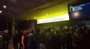 Taraftar Yenişehir Havaalanını bastı.