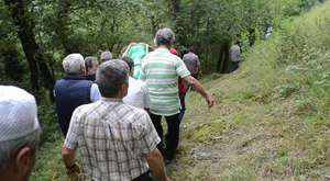 Yusuf Özen Yol'a Hasret Öldü.700 metre dik yamaçtan taşındı cenazesi72